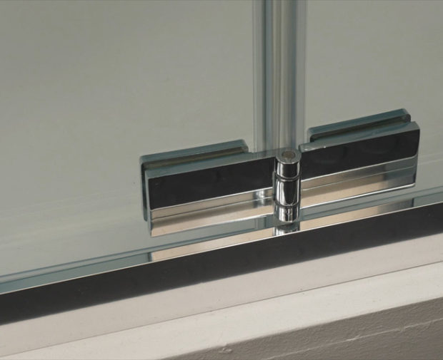 Mechanism - Snap to close, bi-fold door chrome plated hinge found across the GB 5 range