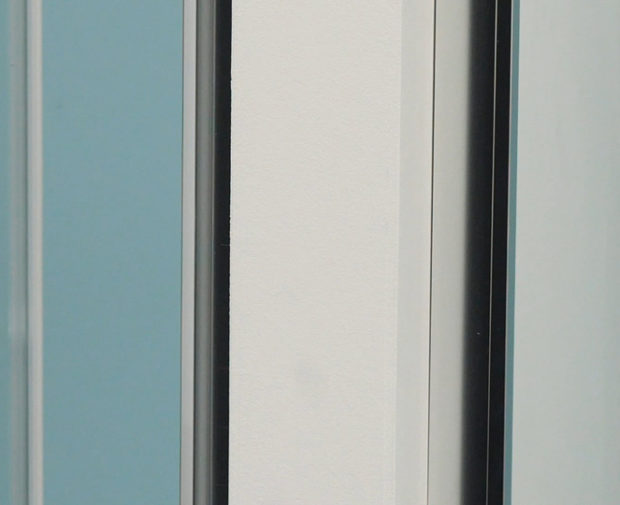 Mechanism - Ultra clear soft seals on GB 5 sliding doors
